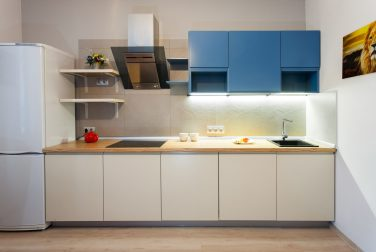 Белая кухня Лобелия
